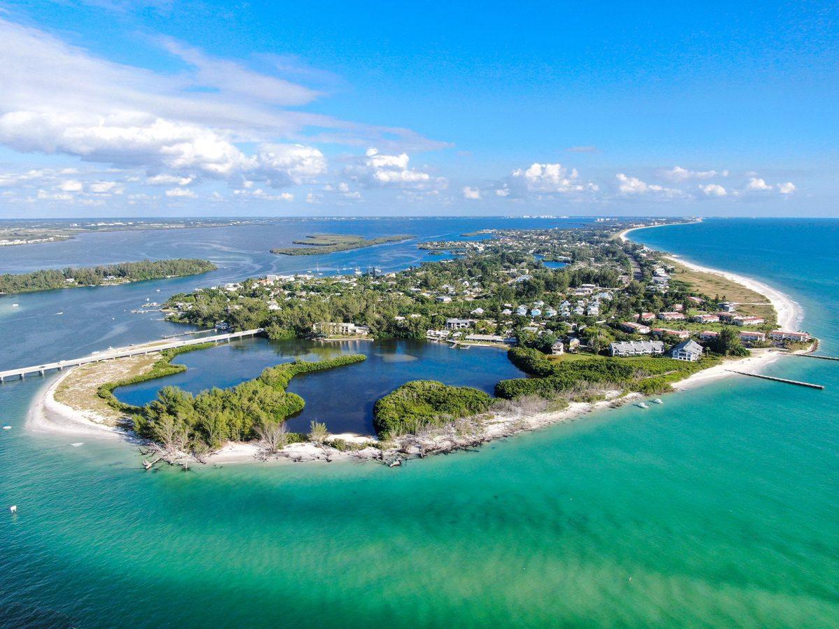 Bay Isles – Longboat Key – a Tropical Paradise!