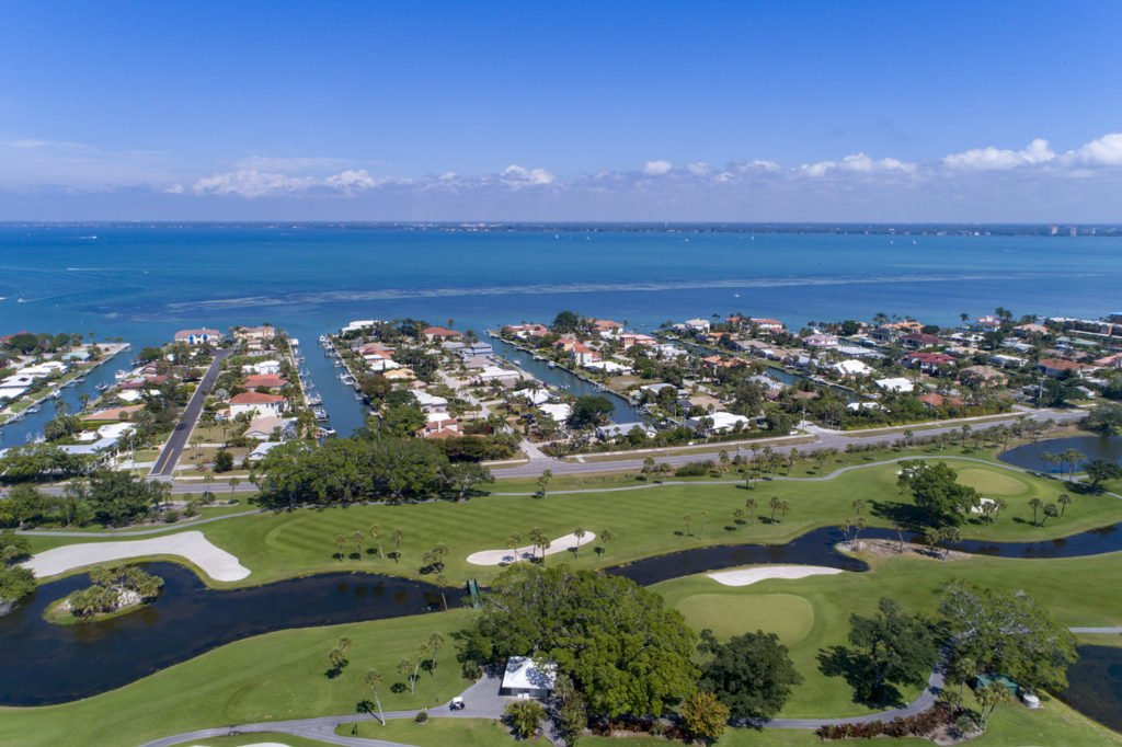 Country Club Shores – Longboat Key – A Boater's Paradise